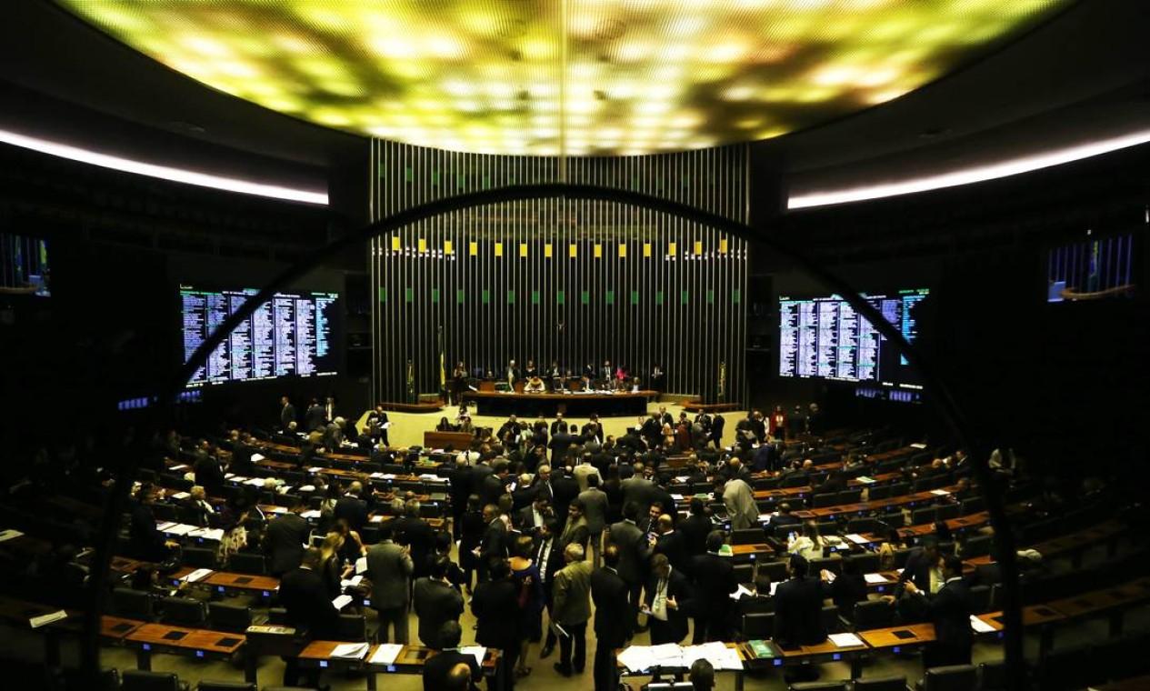 Sessão plenária da Câmara dos Deputados Foto: Jorge William / Agência O Globo