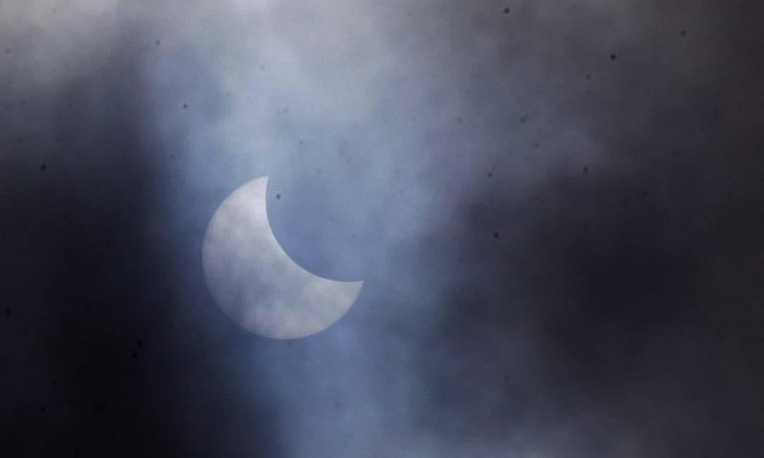 Imagens do eclipse do Sol no Rio de Janeiro - 26/02/2017 Foto: Cléber Júnior / Agência O Globo