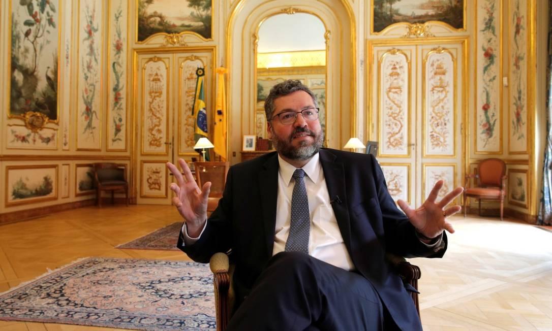 Ernesto Araujo na embaixada do Brasil, em Paris Foto: PHILIPPE WOJAZER / REUTERS/
