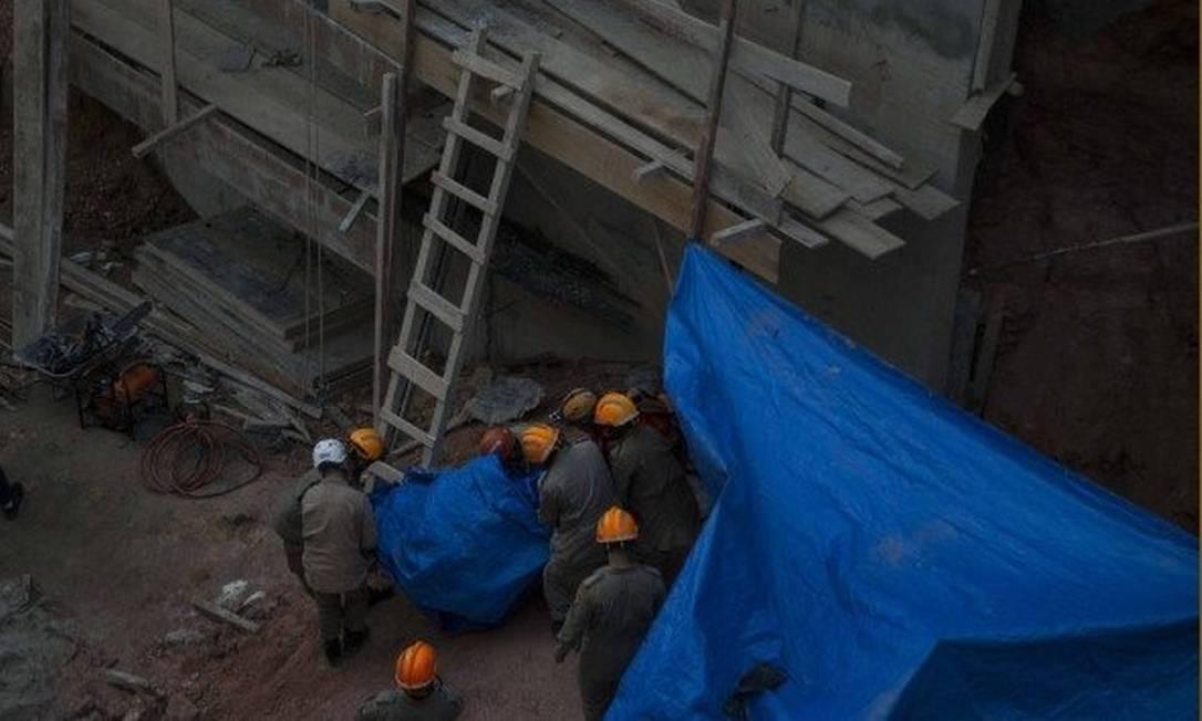 Desabamento em obra de construção de um edifício comercial na Ilha do Governador causou a morte de um operário, em maio de 2019 Foto: / Guito Moreto / Agência O Globo