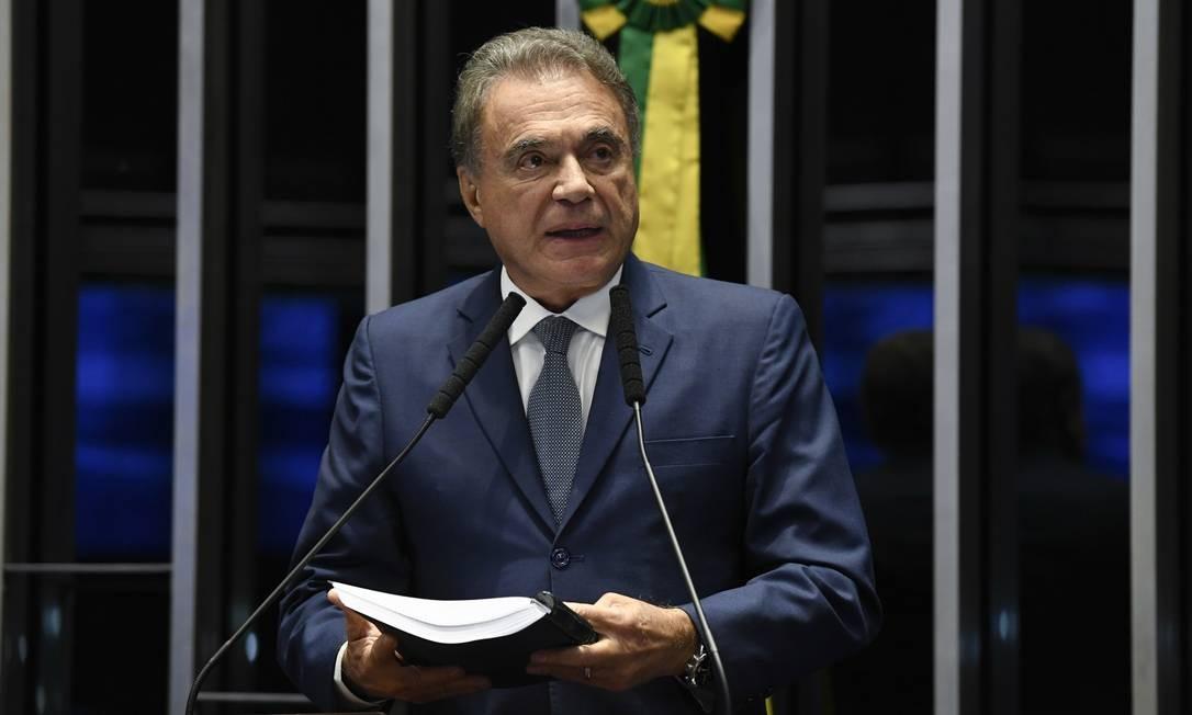 O senador Alvaro Dias (Podemos-PR) discursa no plenário do STF Foto: Jefferson Rudy/Agência Senado