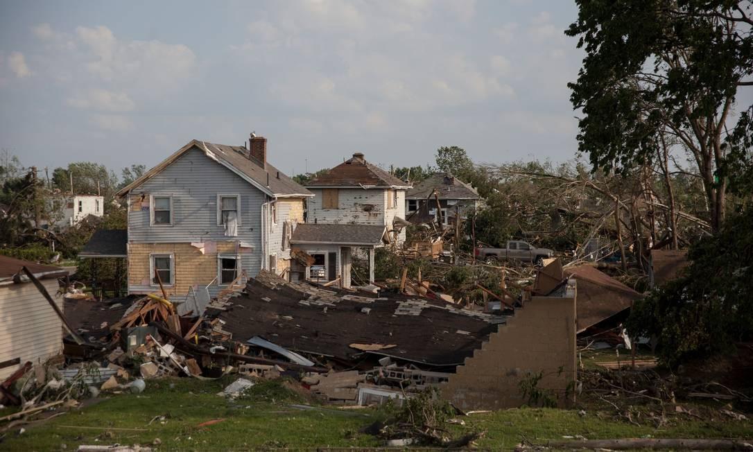 As casas danificadas por um tornado em Dayton, Ohio, depois que fortes tornados atingiram o Estado durante a noite. Foto: SETH HERALD / AFP
