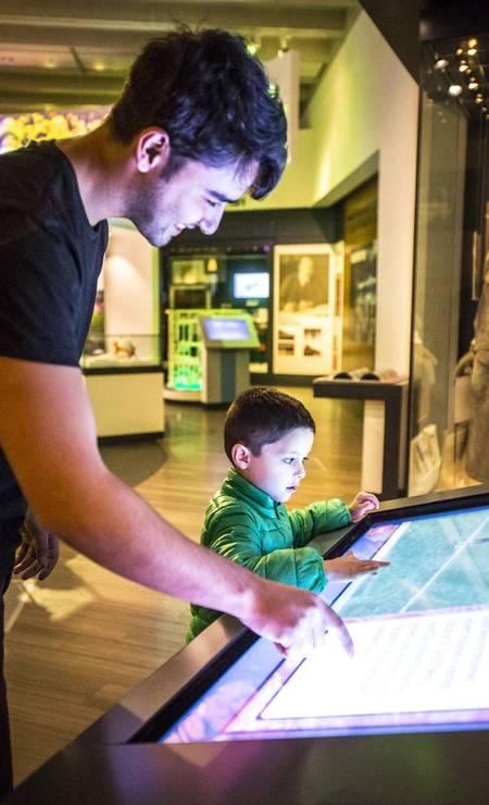 A interatividade é uma marca do National Football Museum, em Manchester Foto: Andrew Pickett / VisitBritain / Divulgação