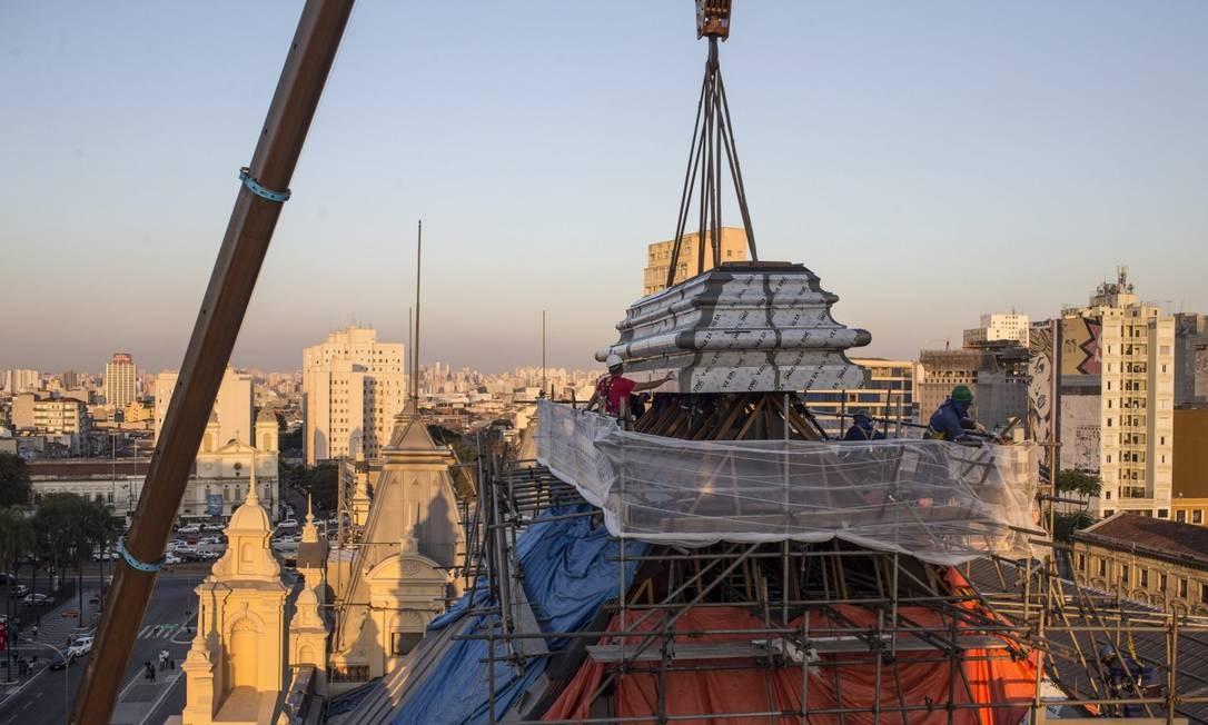 Conclusão da reconstrução da cobertura do Museu da Língua Portuguesa Foto: Edilson Dantas / Agência O Globo