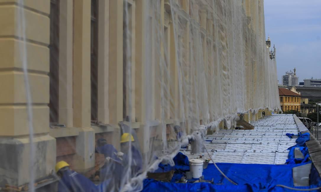 SC São Paulo ( SP ) 02/04/2018 Reforma na cobertura do Museu da Lingua Portuguesa depois do incendio de 2015. Foto: Edilson Dantas / Aagencia O Globo Foto: Edilson Dantas / Agência O Globo