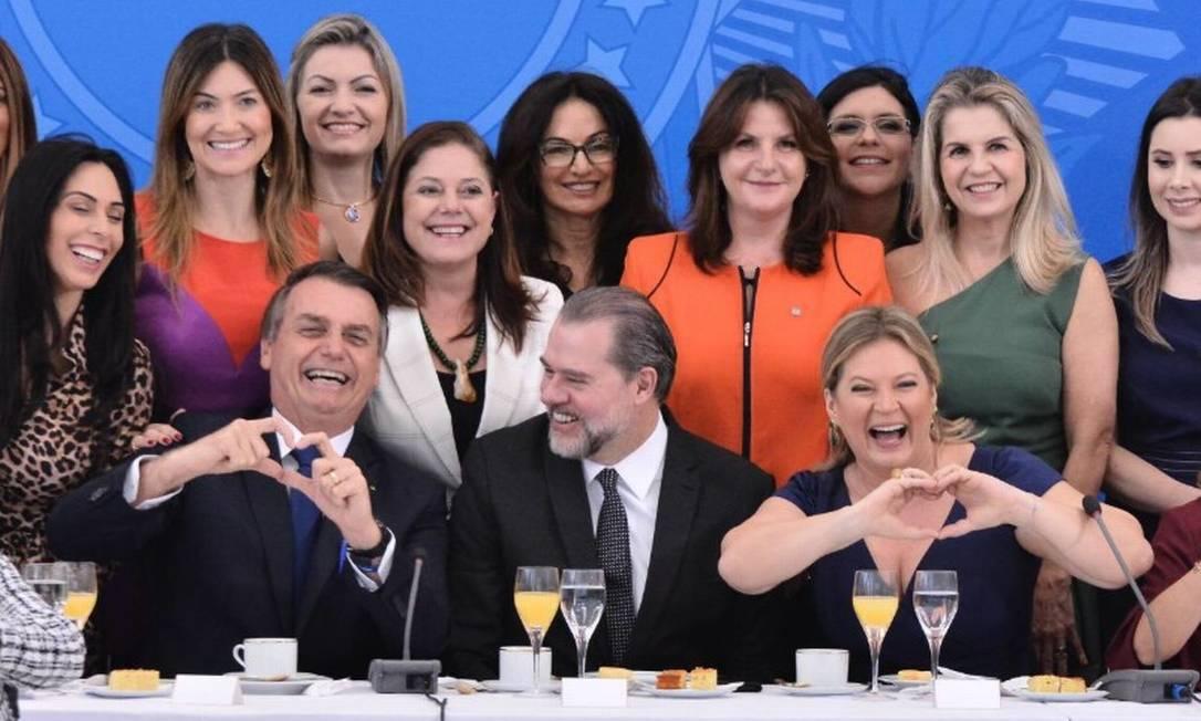 Presidente Jair Bolsonaro e presidente do STF, Dias Toffoli, se reúnem com bancada feminina em Brasília Foto: Reprodução/Twitter/Joice Hasselmann