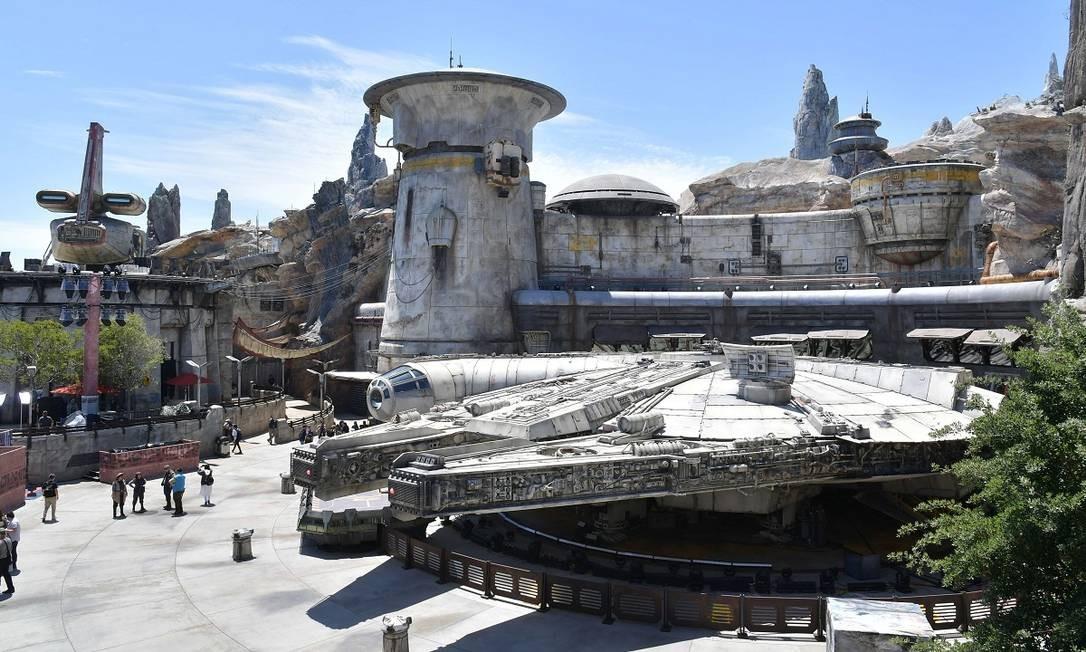 """O simulador Millennium Falcon: Smugglers Run, a principal atração de Star Wars: Galaxy's Edge, área temática de """"Star Wars"""" recém inaugurada na Disneyland, em Anaheim, Califórnia Foto: Amy Sussman / AFP"""