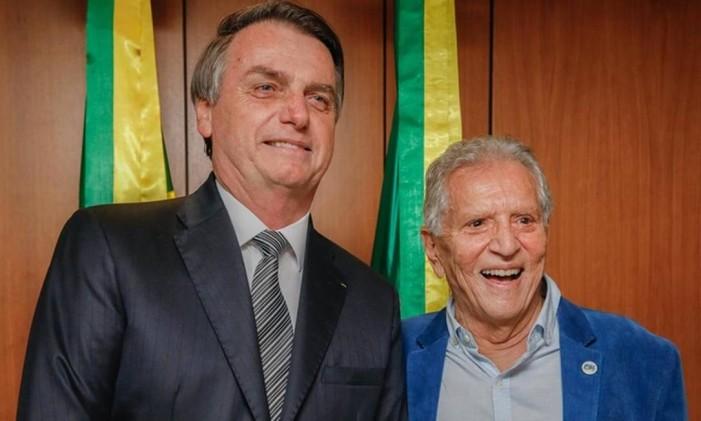 Bolsonaro participou de homenagem a Carlos Alberto de Nóbrega, apresentador do humorístico 'A Praça é Nossa', do SBT Foto: Carolina Antunes / PR