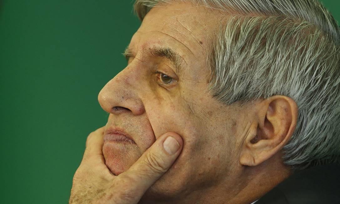 O ministro Augusto Heleno Foto: Jorge William / Agência O Globo