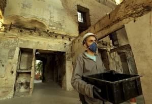 """Após meses escavando, Murilo brinca: """"meu sobrenome virou Dorflex"""" Foto: MARCELO THEOBALD"""