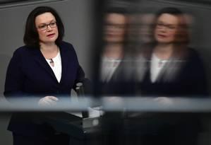 Andrea Nahles recebeu fortes críticas após o mau resultado do SPD nas eleições europeias Foto: JOHN MACDOUGALL / AFP