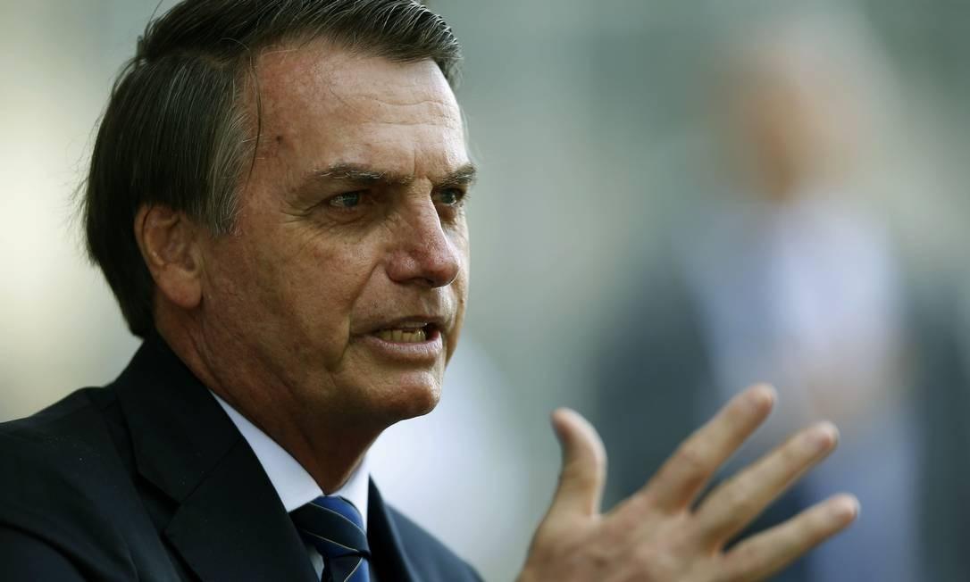 Jair Bolsonaro, presidente do Brasil, durante encontro com os chefes da Marinha Foto: Jorge William / Agência O Globo