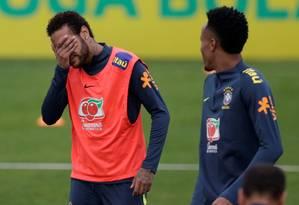 Neymar durante treino neste domingo na Granja Comary Foto: RICARDO MORAES / REUTERS