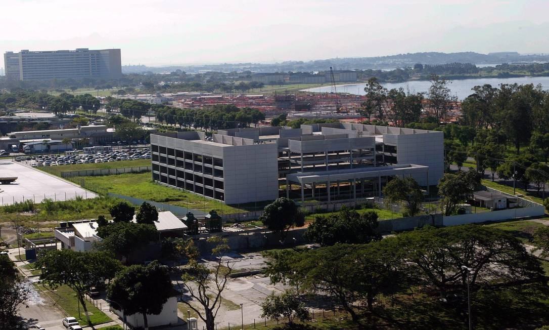 A UFRJ foi criada no dia 7 de setembro de 1920, com o nome de Universidade do Rio de Janeiro. Reorganizada em 1937, quando passou a se chamar Universidade do Brasil, tem a atual denominação desde 1965. Imagem do Campus do Fundão Foto: William de Moura / Agência O Globo