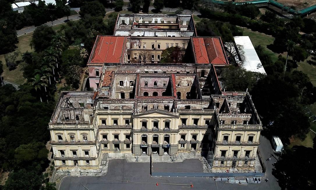A reitora deve se encontrar ainda nesta semana com representantes do Ministério da Educação (MEC) para falar sobre os projetos de reconstrução do Museu Nacional Foto: Custódio Coimbra / Agência O Globo