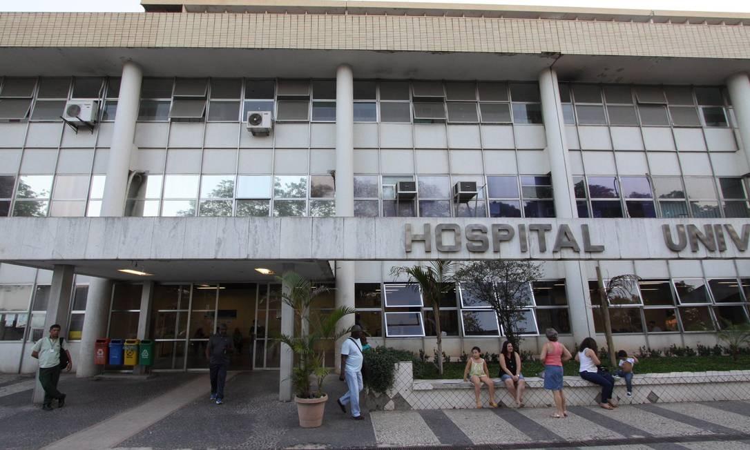 O Hospital Clementino Fraga Filho tem leitos prontos, mas parados por falta de médicos Foto: Paulo Nicolella / Agência O Globo
