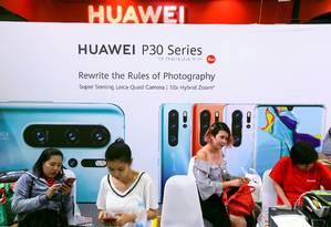 A Huawei foi a única entre as quatro maiores fabricantes de smartphones a aumentar as vendas no primeiro trimestre do ano Foto: JORGE SILVA / REUTERS