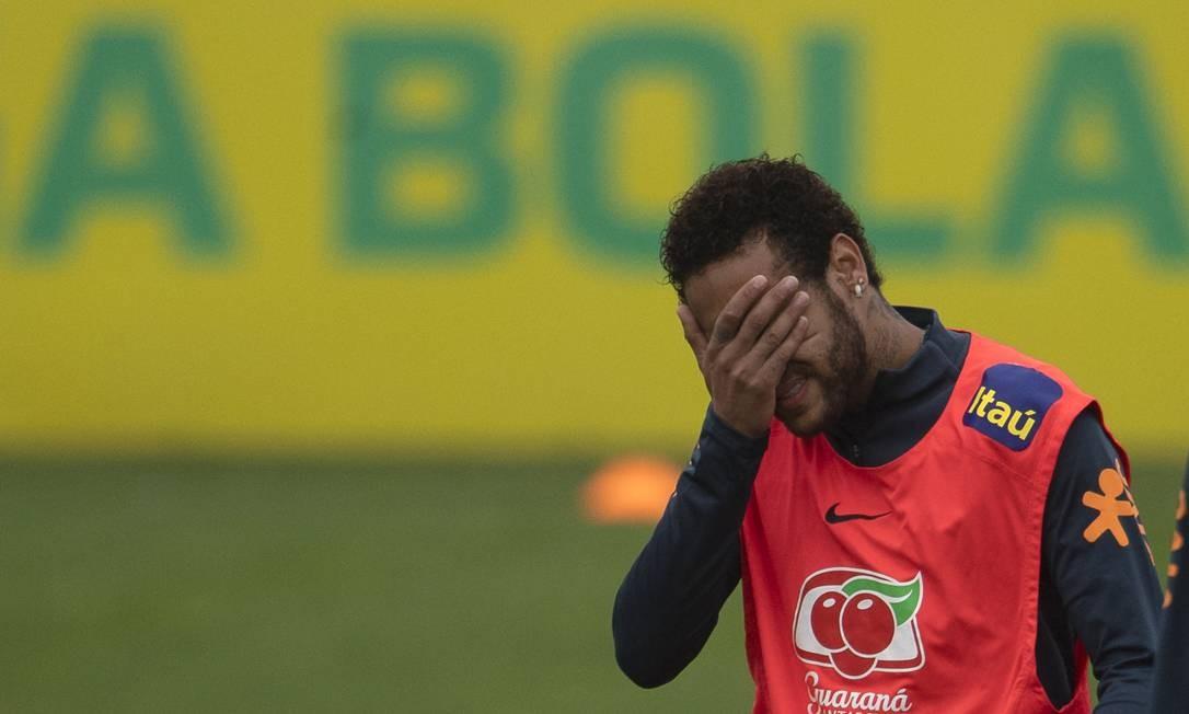Neymar declarou que é vítima de extorsão por suposta vítima de estupro e divulgou conversa que teve com mulher Foto: MAURO PIMENTEL / AFP
