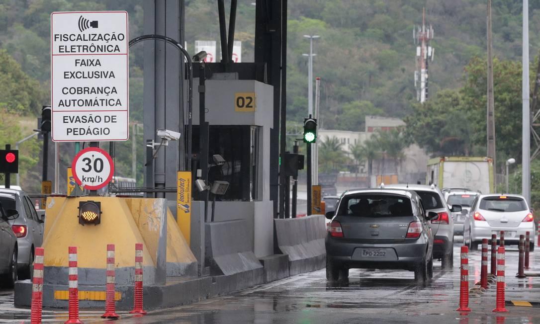 Ao contrário do que pede a prefeitura, Justiça mantém pedágio na Linha Amarela Foto: Márcio Alves / Agência O Globo