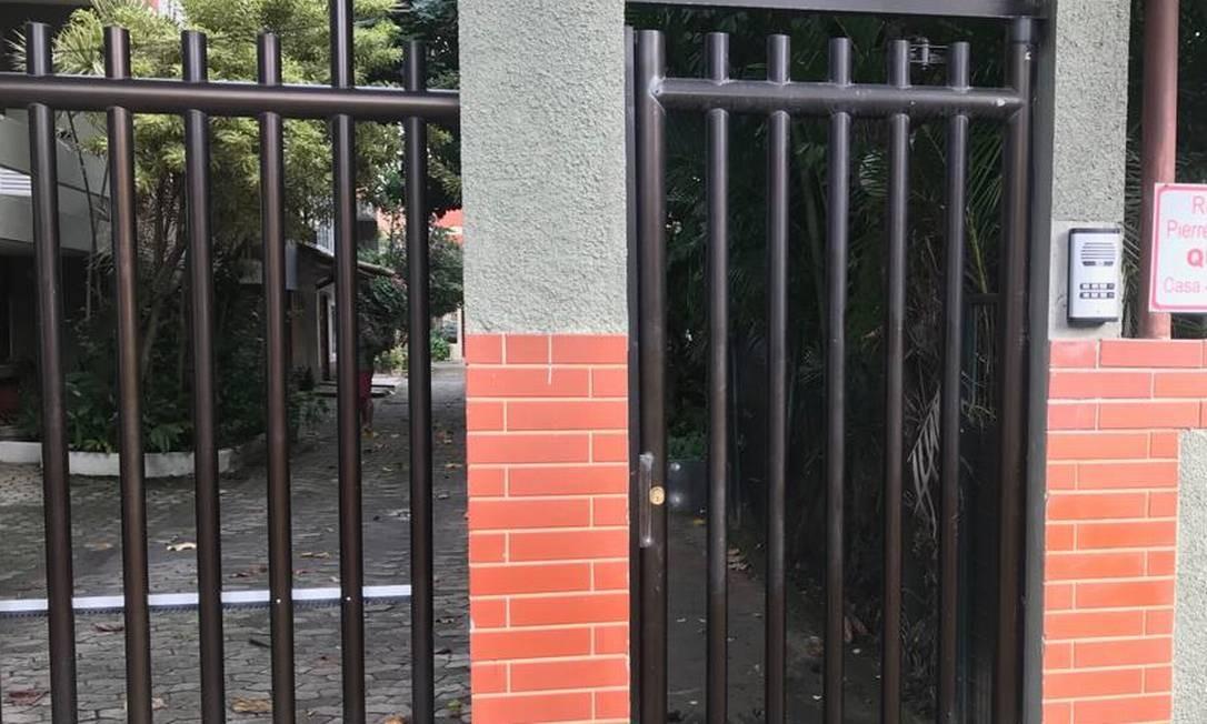 Condomínio na Barra onde a Polícia Civil cumpriu mandados de busca e apreensão Foto: Gustavo Goulart / Agência O Globo