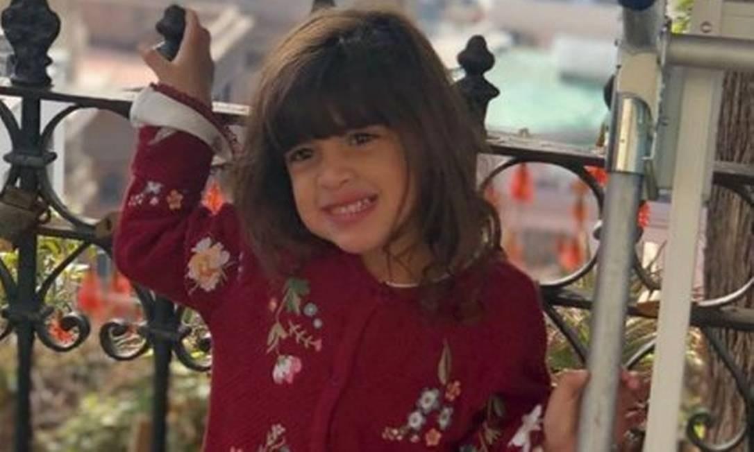 """A pequena Khálida aproveitava a viagem com a família. Uma prima publicou uma foto da menina sorridente """"direto do Chile"""" Foto: Reprodução/Instagram"""