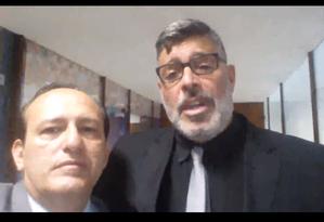 Edilásio Barra e Alexandre Frota em vídeo no canal do apresentador, no YouTube Foto: Reprodução