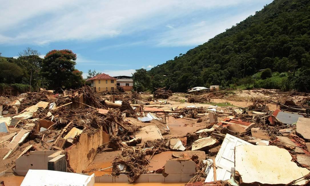 Petrópolis é uma das cidades que aguardam verbas federais para reconstrução de áreas destruídas pelas enchentes 19/01/2011 Foto: Pedro Kirilos/ Agência O Globo
