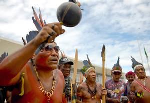 em Brasília, indígenas protestam pela demarcação de terras Foto: AFP/Getty Images