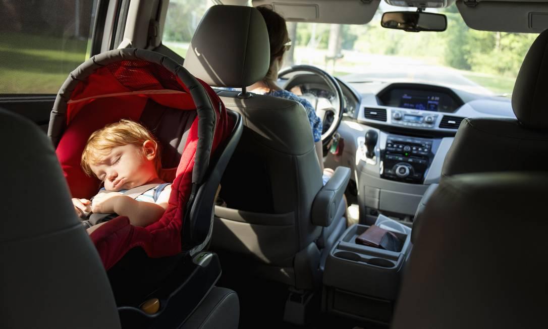 Transporte de crianças nos carros sem cadeirinhas não resulturá mais em multa Foto: Roberto Westbrook / Getty Images/Tetra images RF