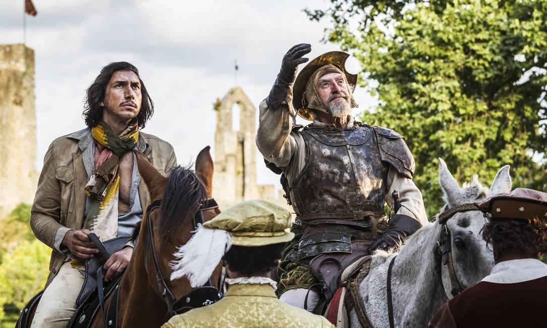 Adam Driver e Jonathan Pryce em cena do filme 'O homem que matou Dom Quixote' Foto: Diego Lopez Calvin - Tornasol Fi / Divulgação