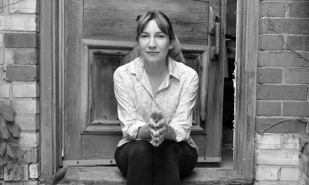 A autora Sheila Heti, que vem pra Flip 2019 Foto: Mark Raynes Roberts / DIVULGAÇÃO