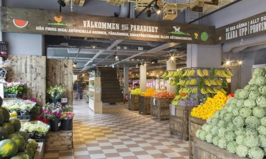Supermercados da rede Paradiset já retiraram das prateleiras produtos brasileiros, como limão, manga e água de coco Foto: Divulgação