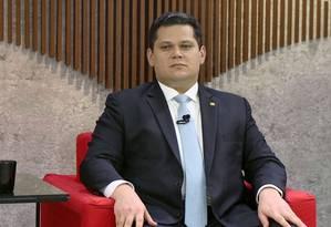 O presidente do Senado, Davi Alcolumbre, durante entrevista ao Central GloboNew Foto: Reprodução/GloboNews