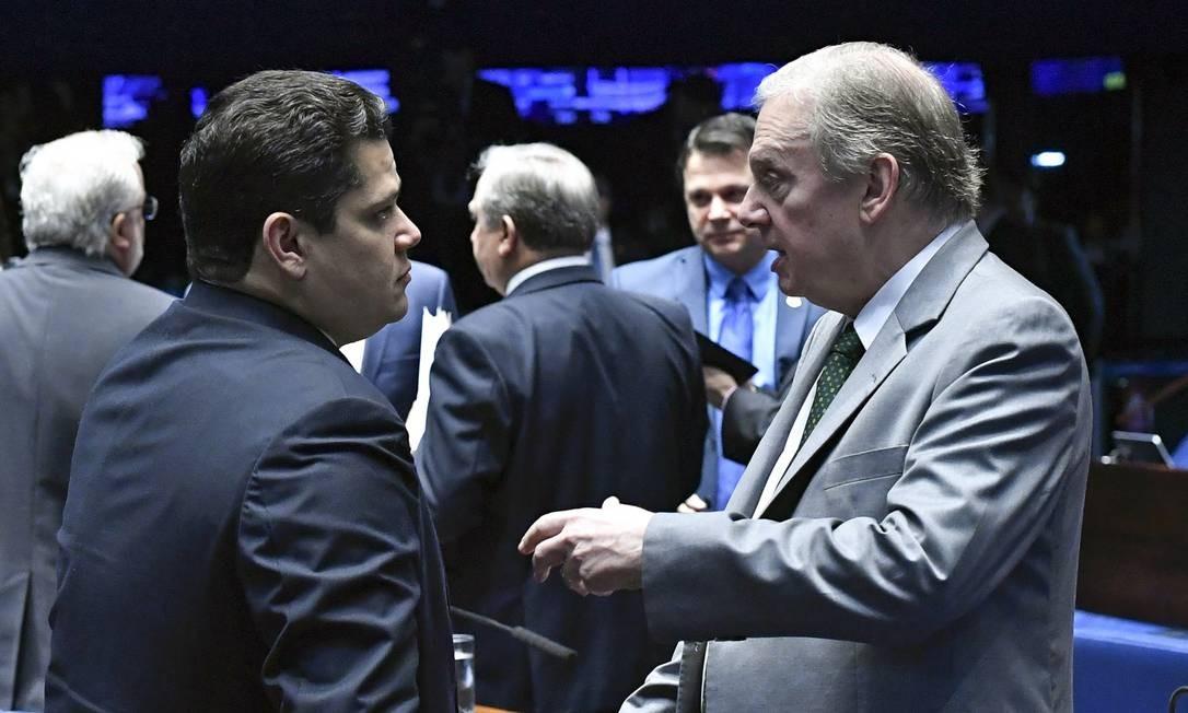 O presidente do Senado, Davi Alcolumbre, e o senador Tasso Jereissati Foto: Geraldo Magela/Agência Senado