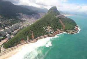 Risco: laudo da Justiça aponta risco de deslizamentos na Avenida Niemeyer mesmo em dias não chuvosos Foto: Mário Moscatelli