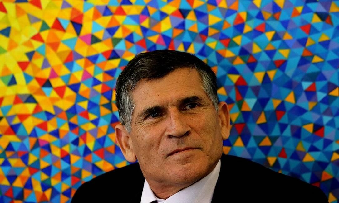 """Santos Cruz: """"Claro que há acomodações a se fazer na área política"""". Foto: Jorge William / Agência O Globo"""