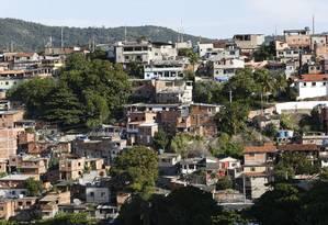 Disputa: com cinco ocorrências, o Morro do Cavalão, entre Icaraí e São Francisco, foi a segunda localidade com maior número de trocas de tiros em maio Foto: Fábio Guimarães / Agência O Globo