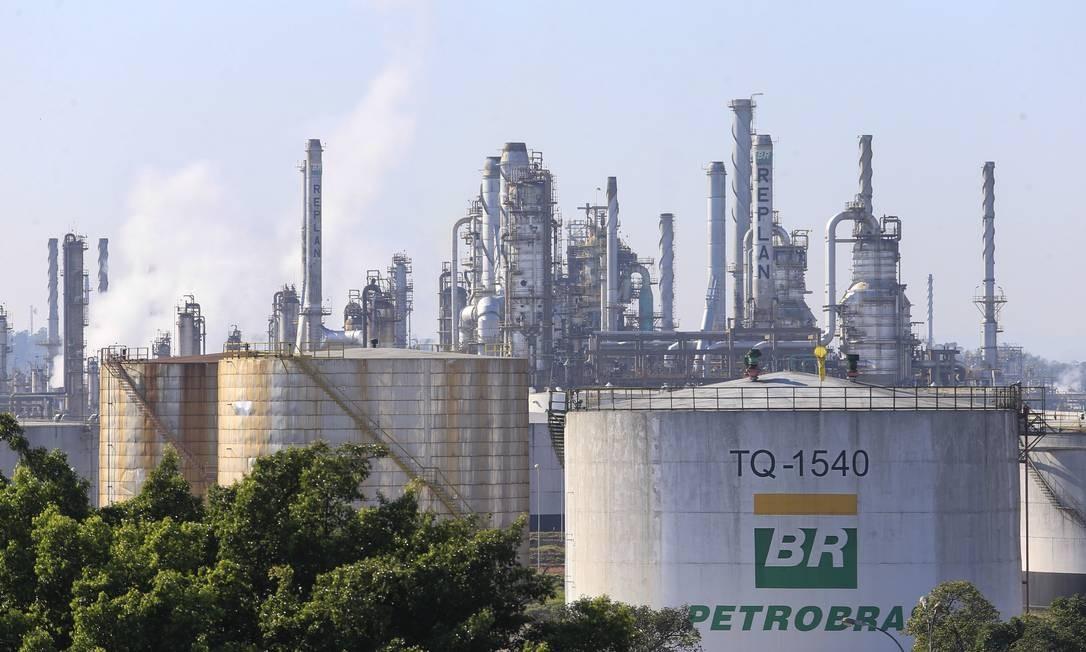 Refinaria da Petrobras em Paulínia Foto: Edilson Dantas / Agência O Globo