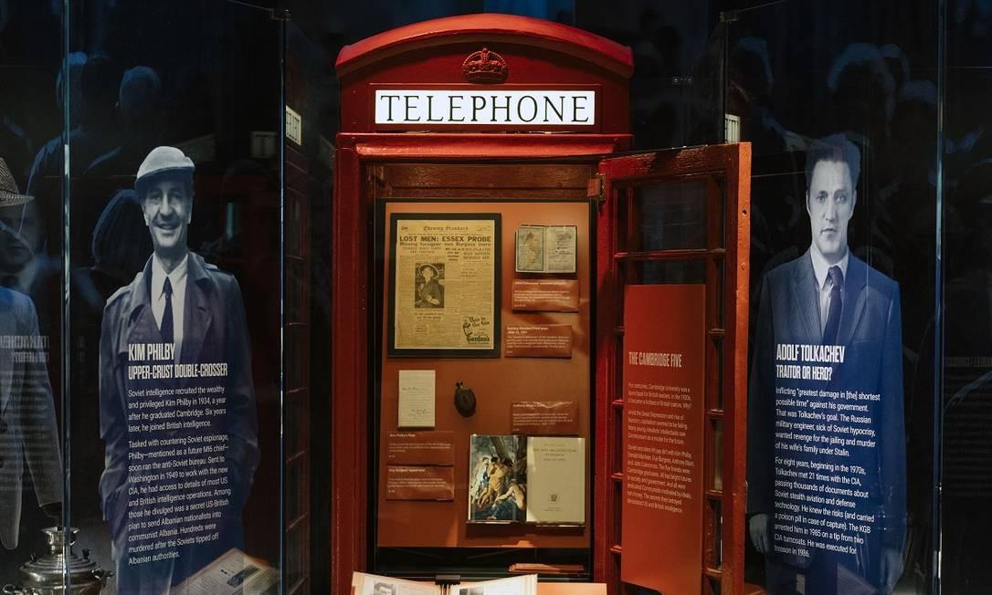 Itens em exposição no Museu Internacional da Espionagem, aberto recentemente em Washington DC Foto: Justin T. Gellerson / The New York Times