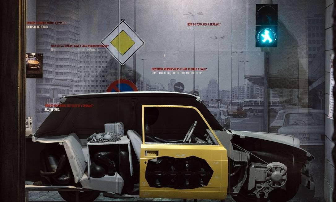 Um antigo Trabant usado como aparelho de espionagem em Berlim nos anos 1980 Foto: Justin T. Gellerson / The New York Times