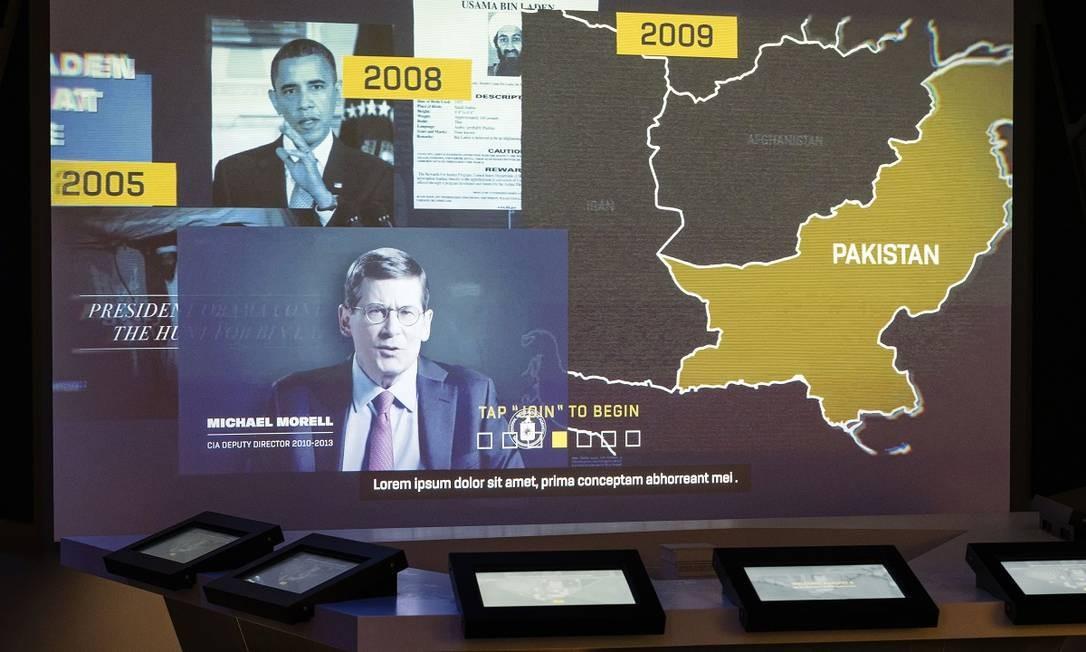 Uma atração interativa que simula a caçada a Osama bin Laden, com a participação do antigo diretor da CIA Michael Morell Foto: Justin T. Gellerson / The New York Times