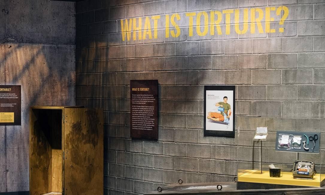 Espaço dedicado a tortura no Museu Internacional da Espionagem Foto: Justin T. Gellerson / The New York Times