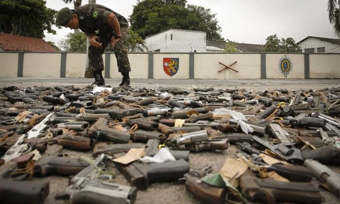 Exército Brasileiro realiza operação para destruição pública de cerca de dez mil (dez mil) armas apreendidas Foto: Pablo Jacob / Agência O Globo