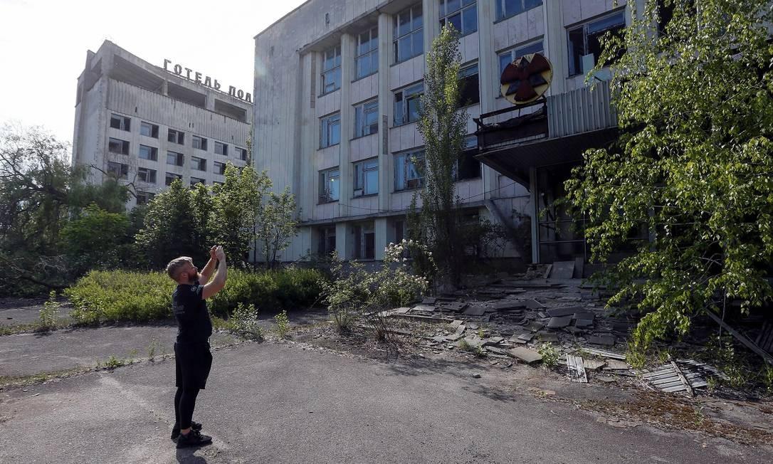 Prédios abandonados em Pripyat, cidade com mais de 50 mil habitantes que foi completamente evacuada após o vazamento de Chernobyl, em 26 de abril de 1986 Foto: VALENTYN OGIRENKO / REUTERS
