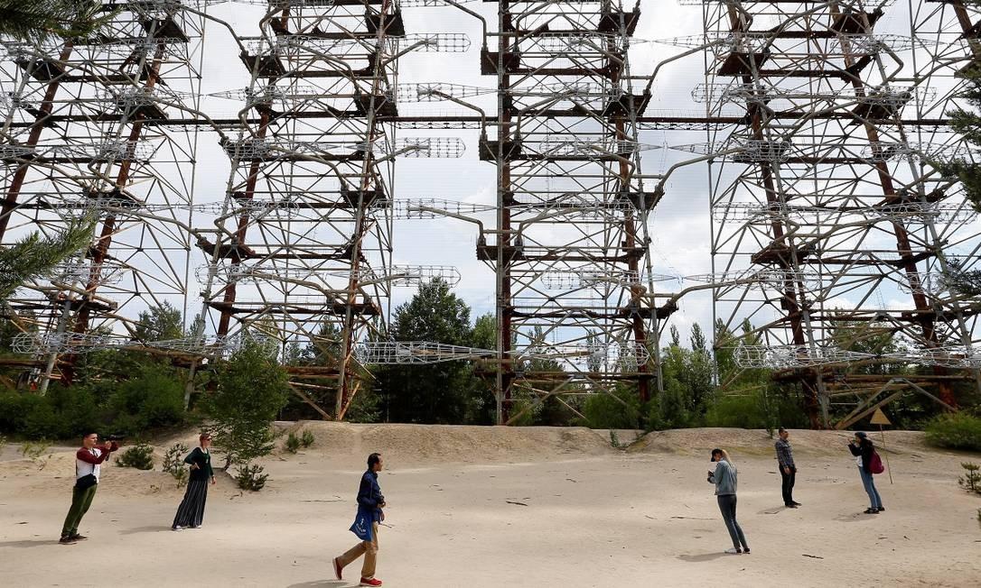 "Estrutura que integrava o sistema de radares ""Duga"" perto da usnina nuclear Chernobyl Foto: VALENTYN OGIRENKO / REUTERS"