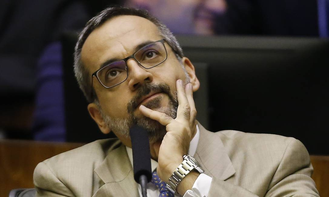 O ministro da Educação, Abraham Weintraub Foto: Jorge William/Agência O Globo/15-05-2019