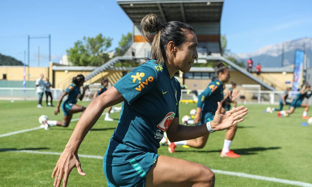Marta não joga contra a Jamaica, em Grenoble Foto: Divulgação/CBF