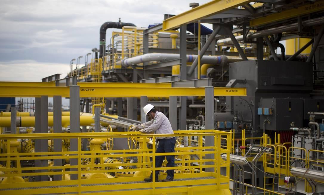 Petrobras vai leiloar três plataformas de segunda mão Foto: Márcia Foletto / Agência O Globo/27-4-2016