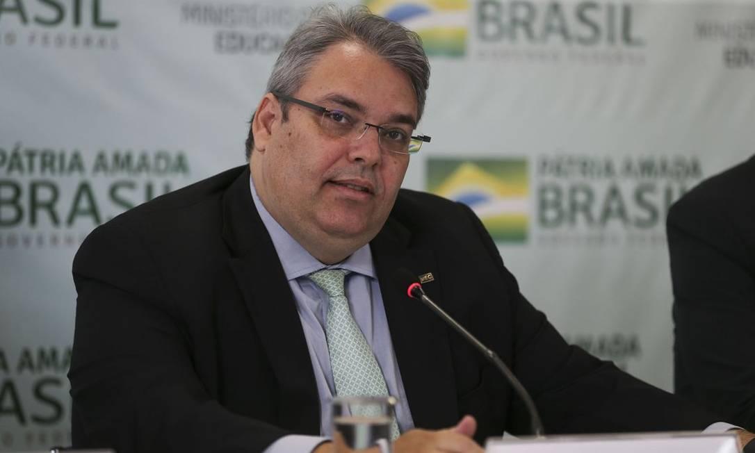 O secretário-executivo do Ministério da Educação, Antônio Paulo Vogel, durante entrevista coletiva. Foto: José Cruz/Agência Brasil