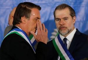 Bolsonaro e Dias Toffoli participam de cerimônia dos 20 anos do Ministério da Defesa Foto: ADRIANO MACHADO / REUTERS